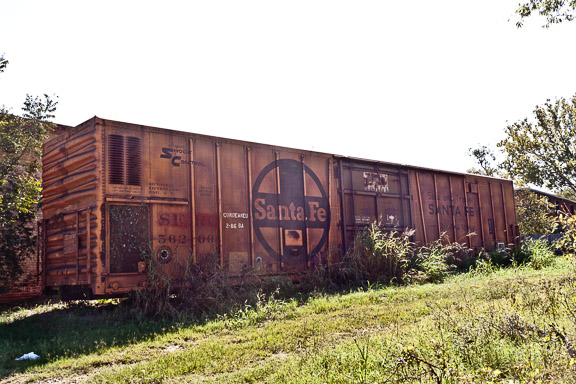 A Condemned Railroad Car + Friday Link Love