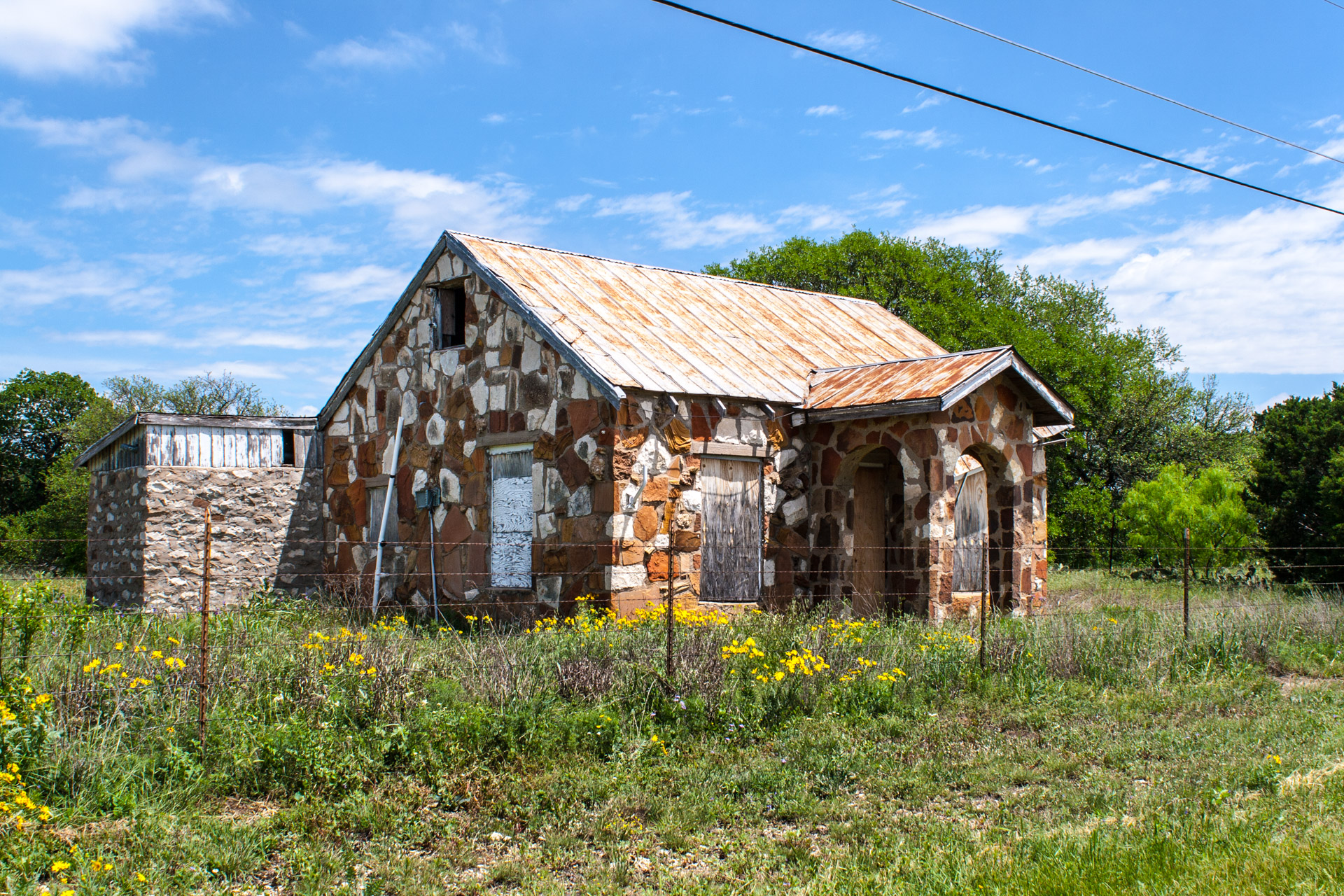 Lometa, Texas - A Fairytale Cottage