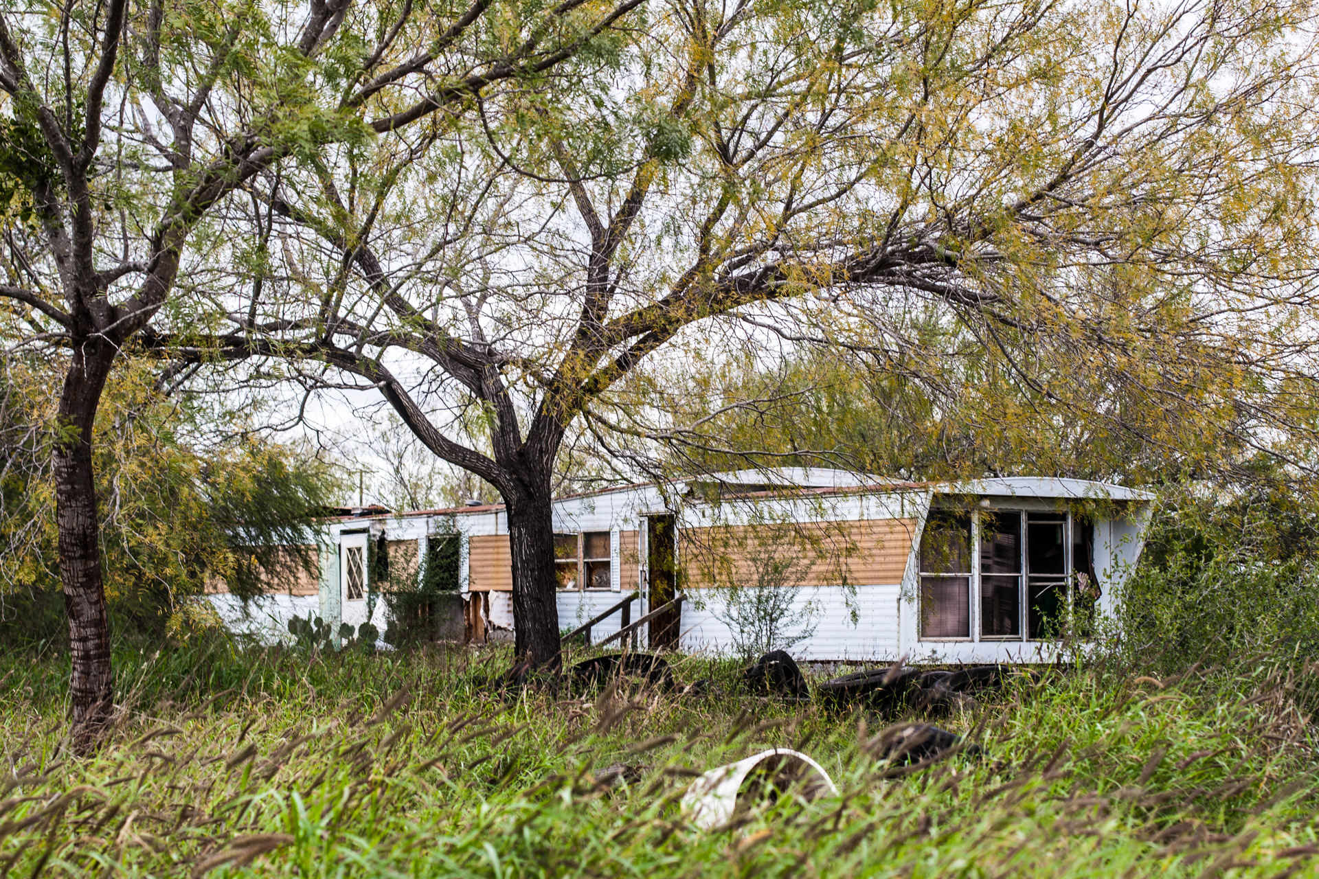 Pearsall, Texas - A Ruin, A Trailer, And Some Tires (trailer mid)