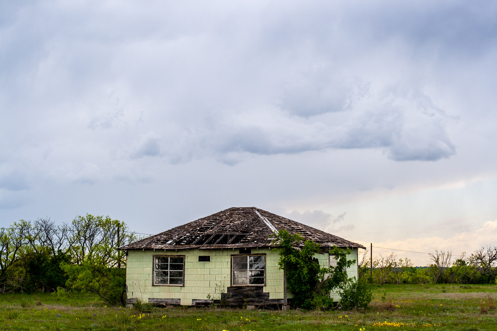 A Stormy House (sideClose)