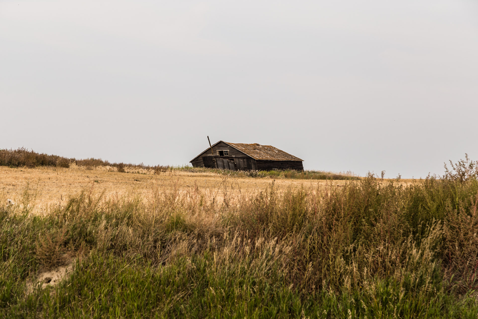Hilltop Farmhouse (angle barn)