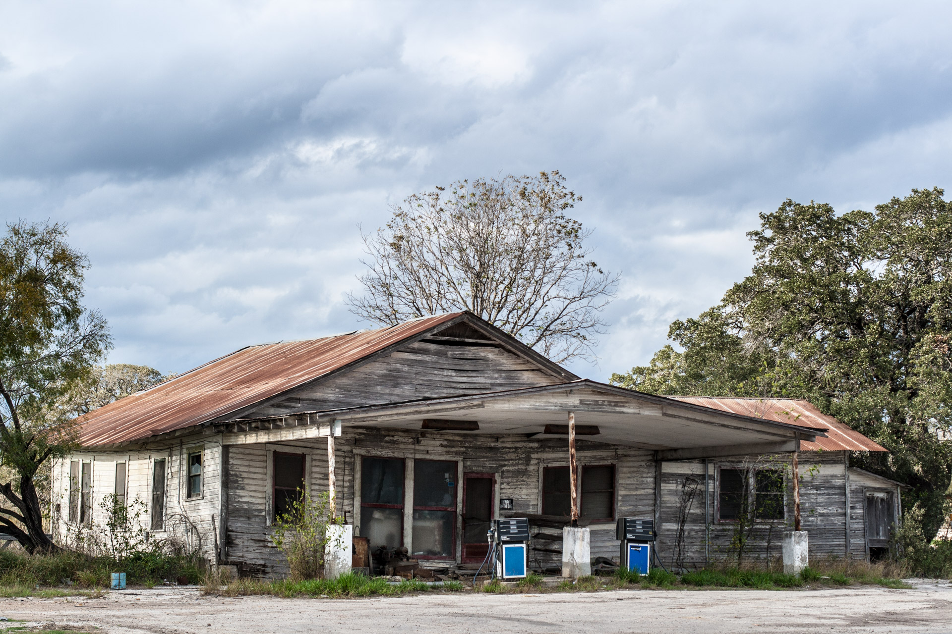 Helena, Texas - An Uneven Gas Station (side far)