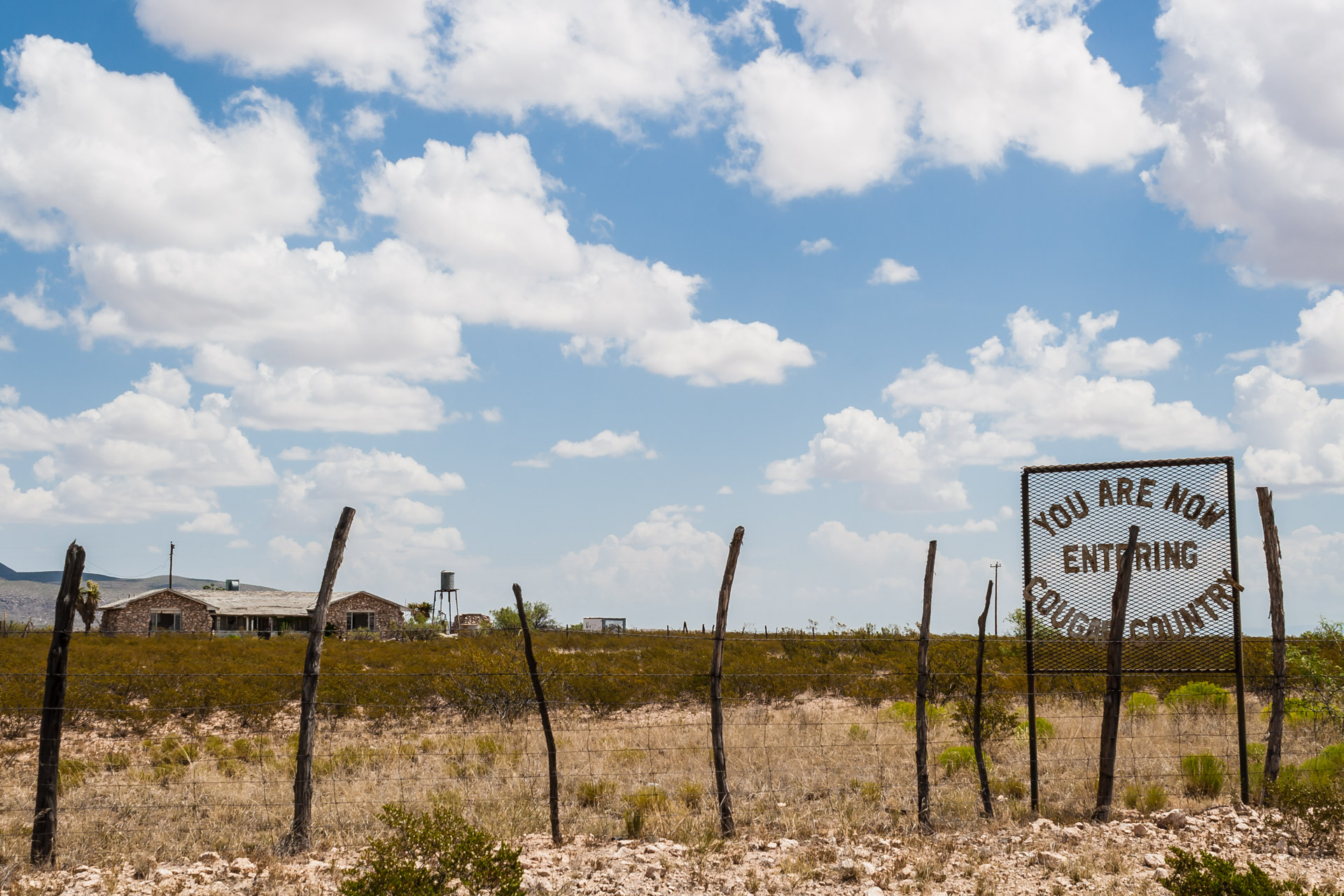 Salt Flat, Texas - Cougar Country House
