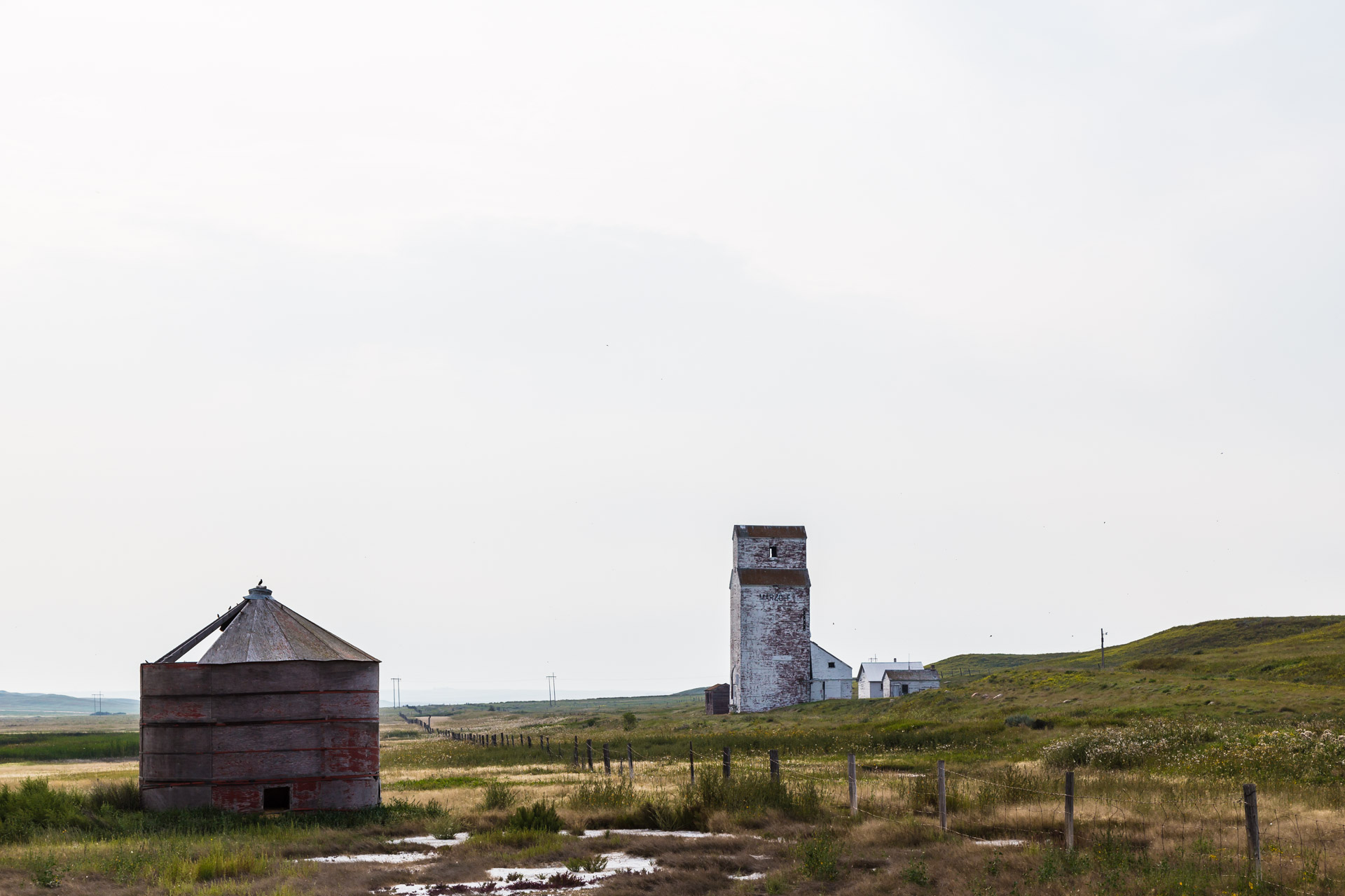 Lonely Grain Elevator (angle mid grainery)