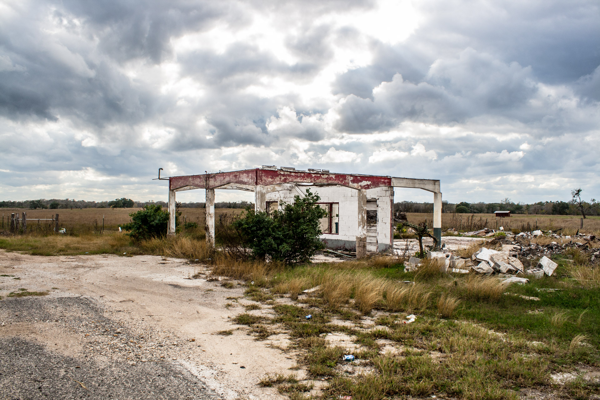 Gillett, Texas - One Wall Ruin (angle far)