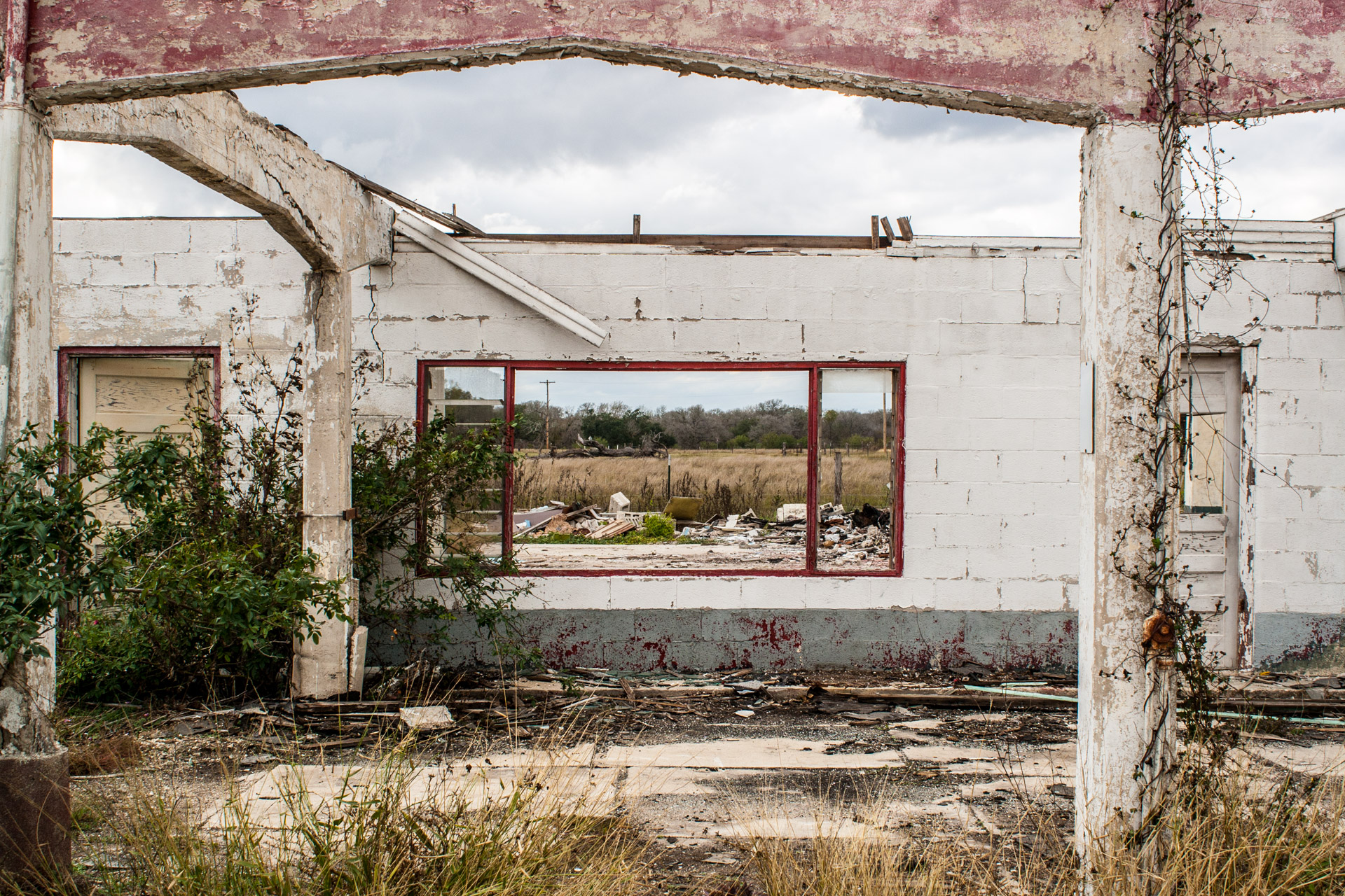Gillett, Texas - One Wall Ruin (front close)