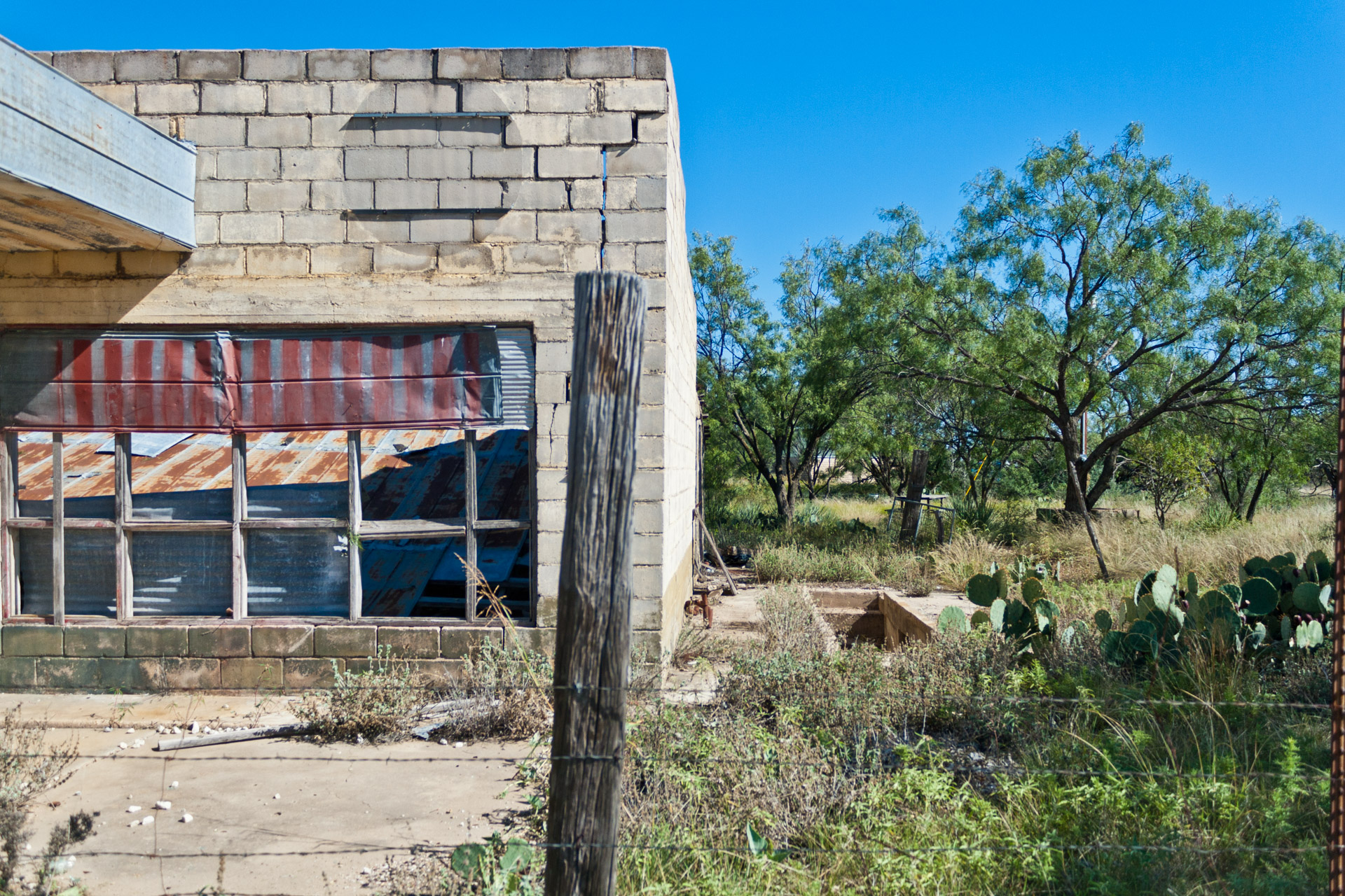 Talpa, Texas - The Falling Tin Store (cellar)