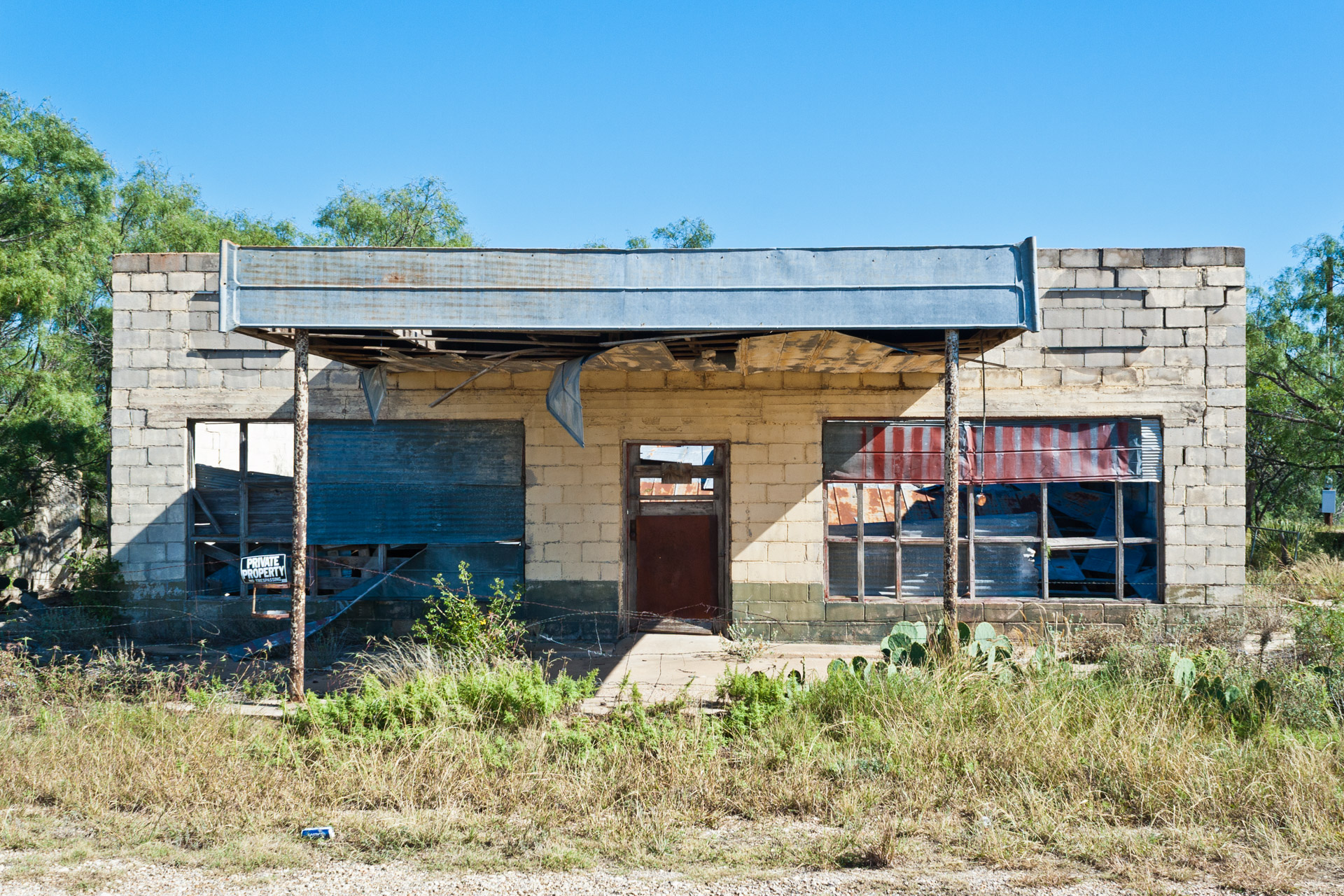 Talpa, Texas - The Falling Tin Store (front far)