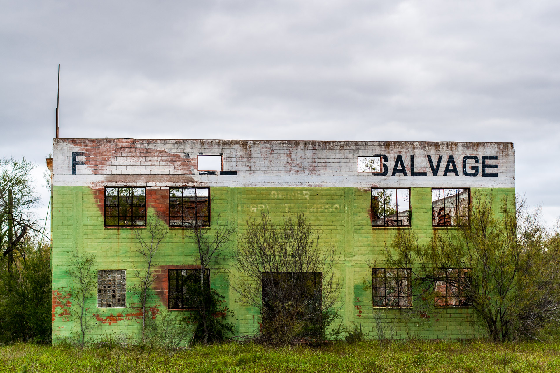 Pearsall, Texas - The Lime Green Salvage Yard (front close)