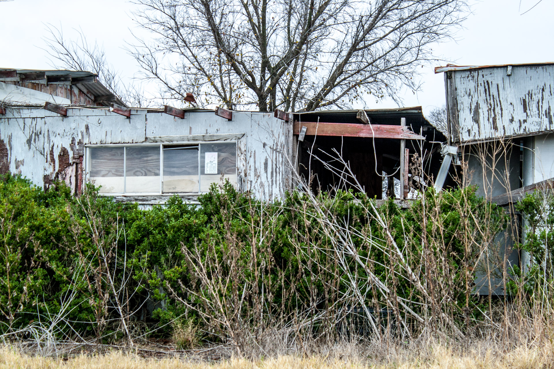 Buckholts, Texas - The Line Shack Restaurant (side close)