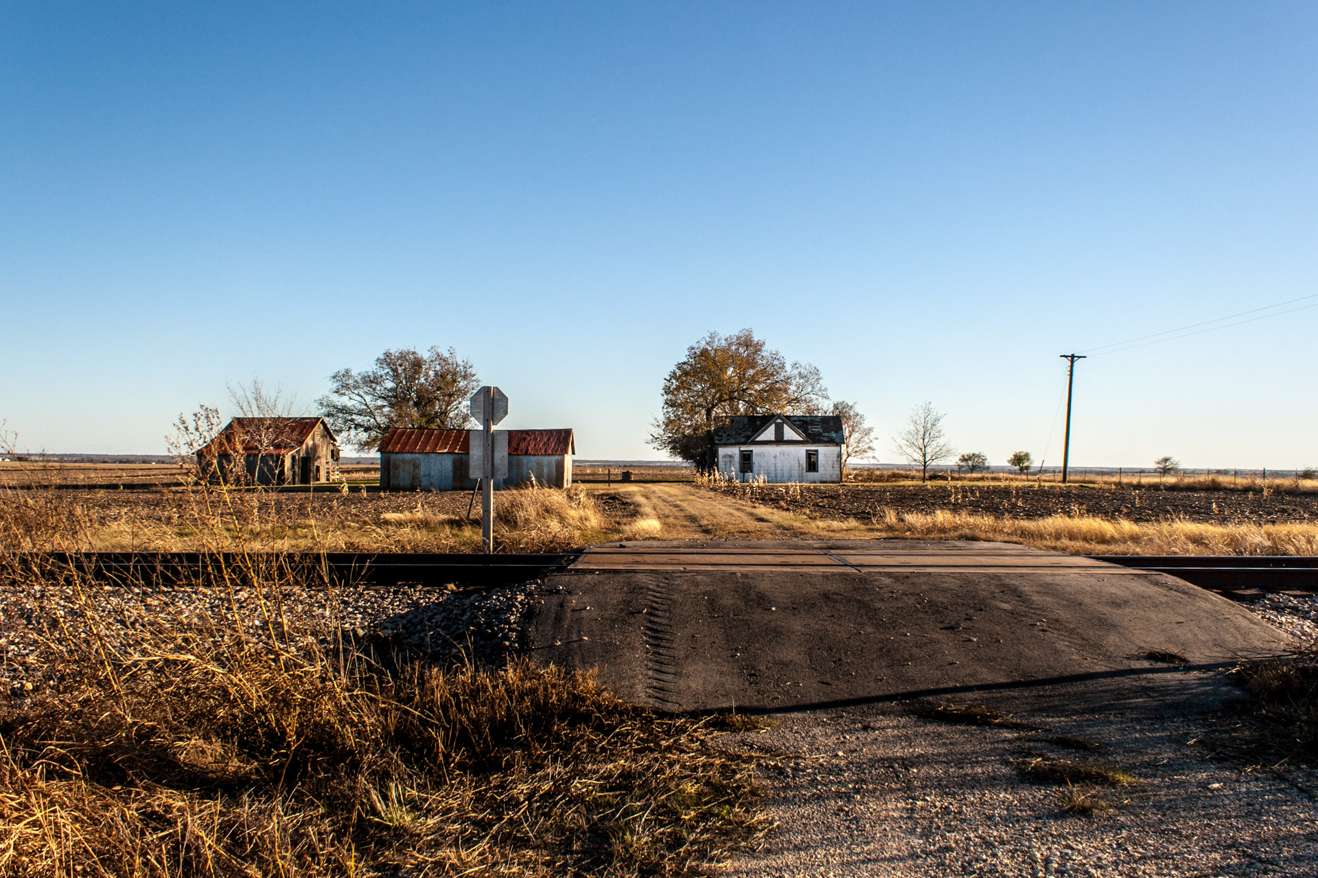 Thrall, Texas - The Over the Tracks Farmhouse
