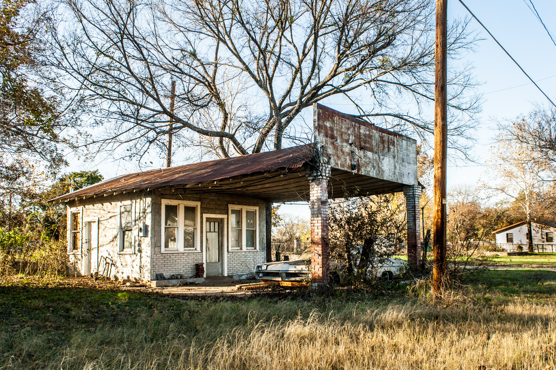 Tehuacana, Texas - Pontiac Gas Station (front far)