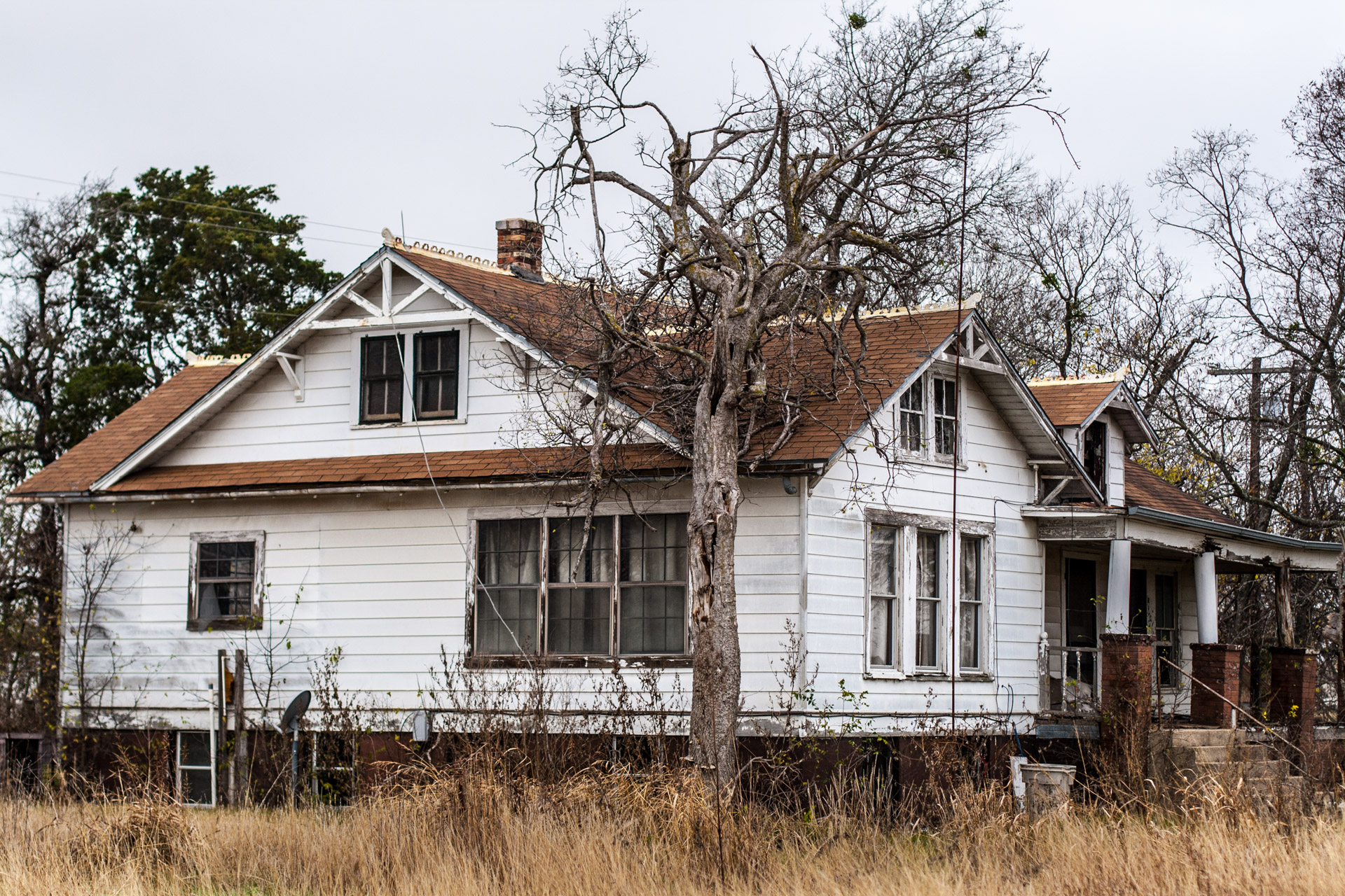 Buckholts, Texas - The Two Front Door House (side)