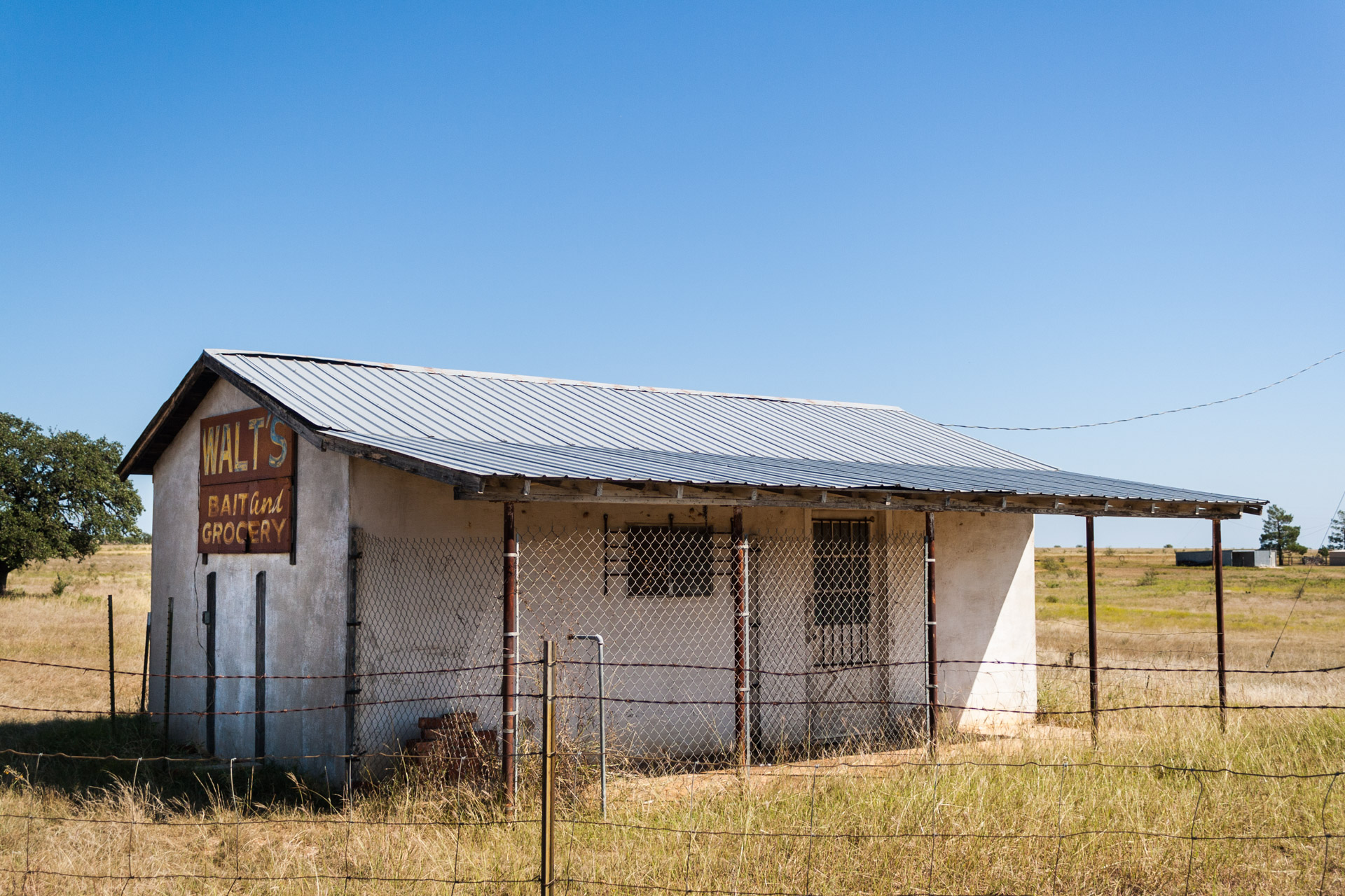 Coleman, Texas - Walt's Bait and Grocery