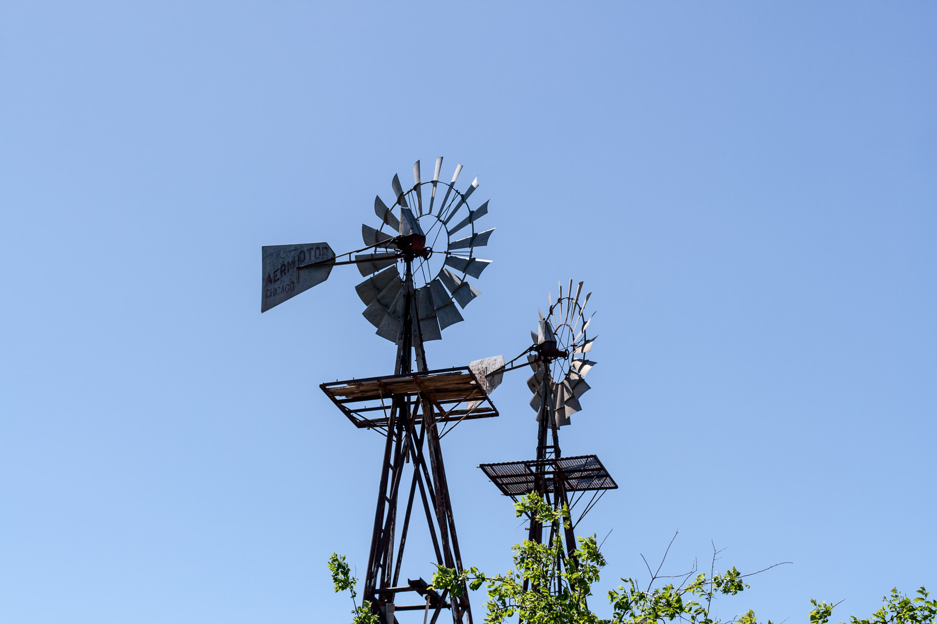 Windmill Duo (windmill close)